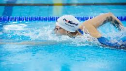 A ProMinent szponzorálása világszerte látható – Sarah Köhler sportruházatán és úszósapkáján.